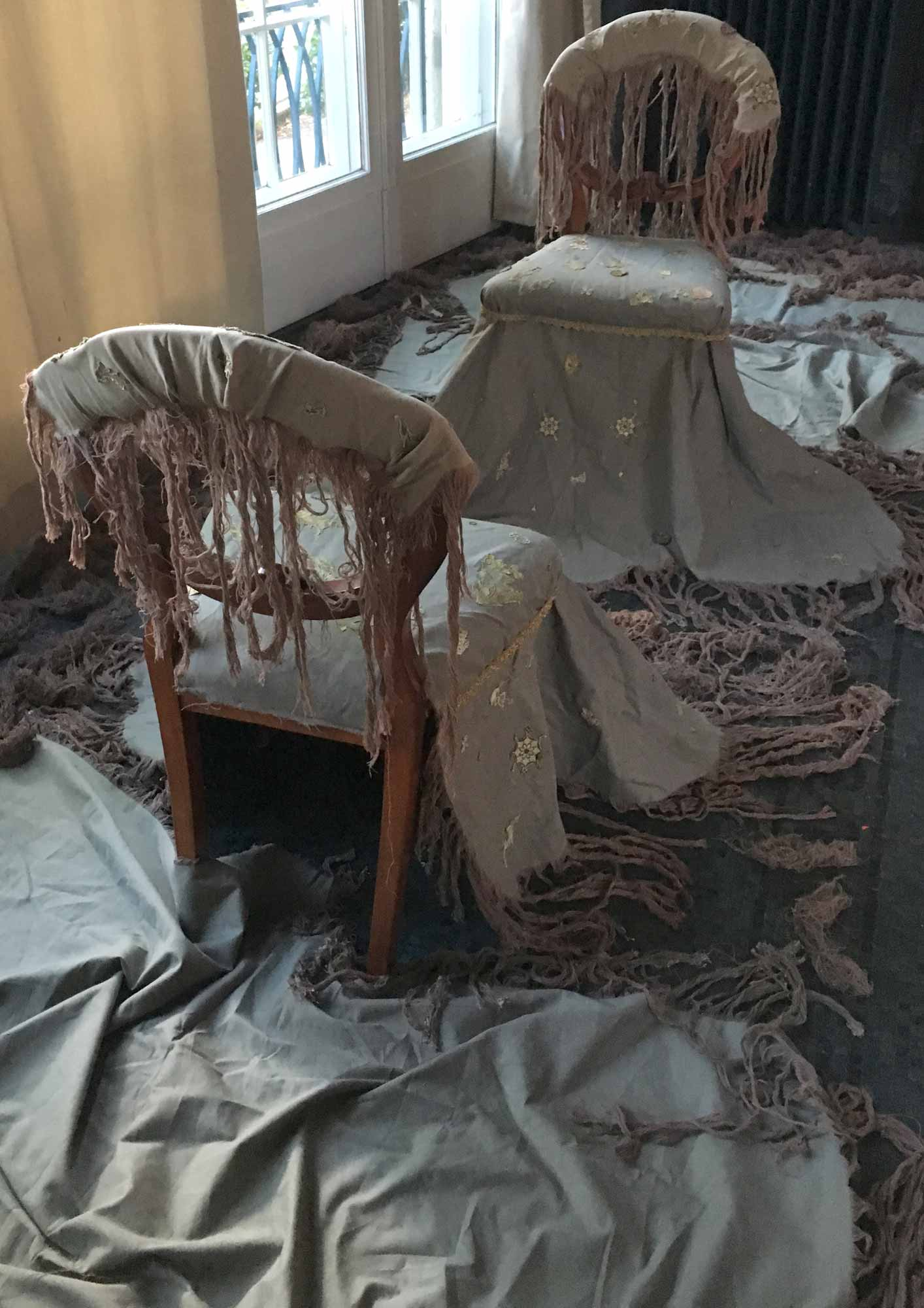 Rula_Ali, Chairing is the Opposite of Sharing, 2016, textile, two chairs