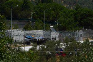 Thomas_Klipper, Lesbos Refugee Center, photograph; courtesy: the artist