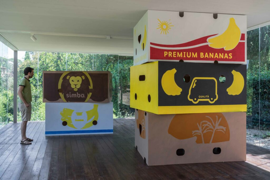 Jebila_Okongwu, Five Banana Boxes, 2018, acrylic on pine wood; photo: OKNOstudio