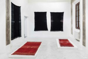 Renate_Anna_Menzel, <em>The Bakhnoug, a book, woven</em>, curated by Paul Vandenbroeck, installation view,  Villa Romana, Florence, 2016; photo: OKNO studio
