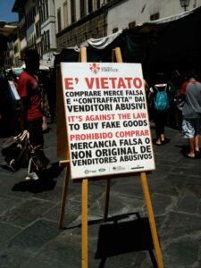 _Matteo_Cavalleri_and_Luisa_Lorenza_Corna, Legal Disagreements/Disaccordi Legali, 2010, Florence; photo: Villa Romana